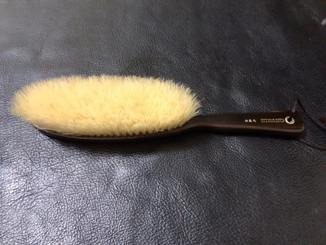 clothes-brush-care-1