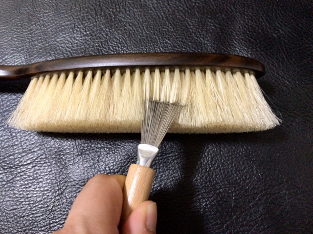 clothes-brush-care-4