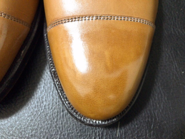 saphir-noir-shoe-shine-23