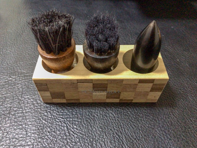 penetrate-brush-stand-5