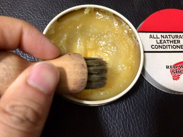 all-natural-leather-conditioner-8