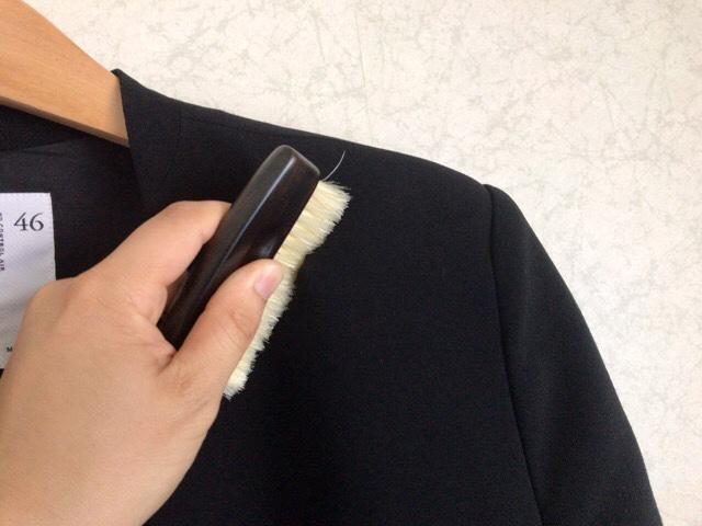 portable-clothes-brush-3