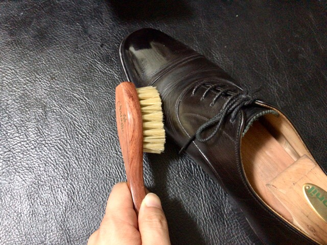 bristle-handle-brush-1