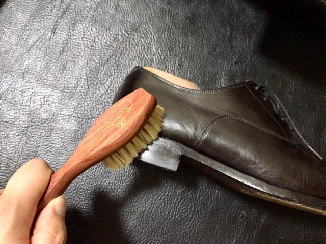 bristle-handle-brush-2