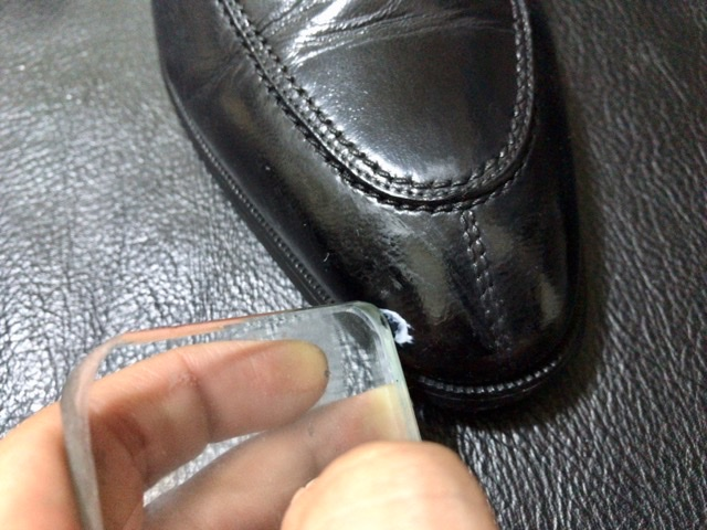 leather-peeling-repair-11