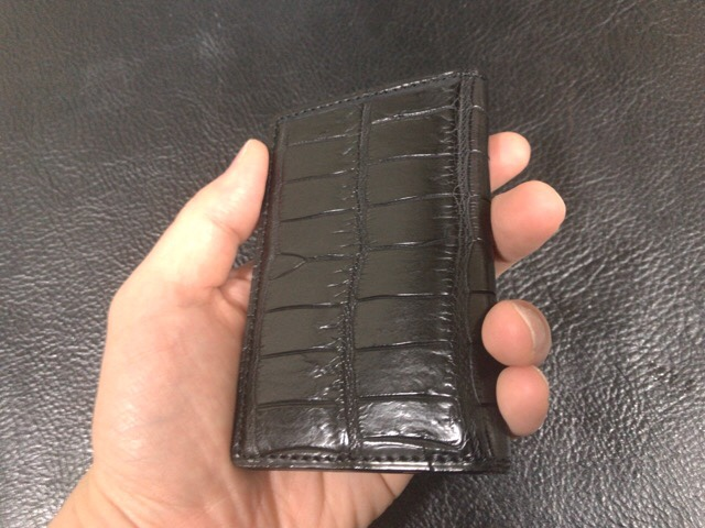 crocodile-card-case-12