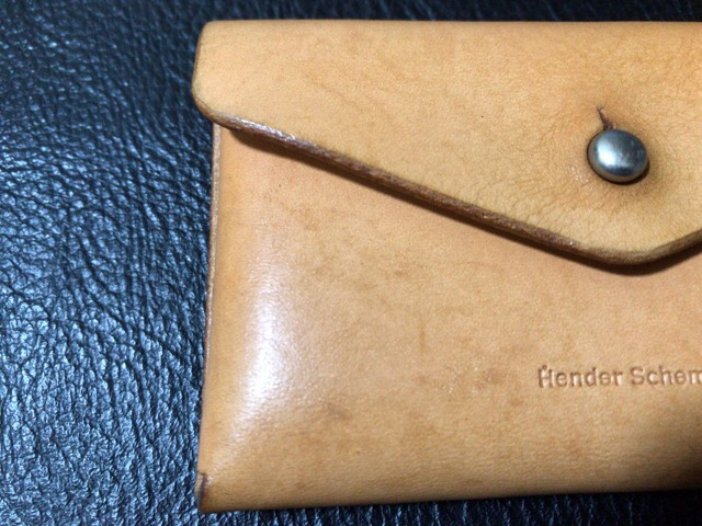prevent-discoloration-leather-9