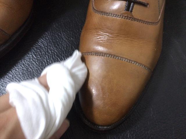 boot-black-polish-cloth-17