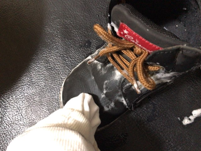 remove-mud-stain-shoes-10