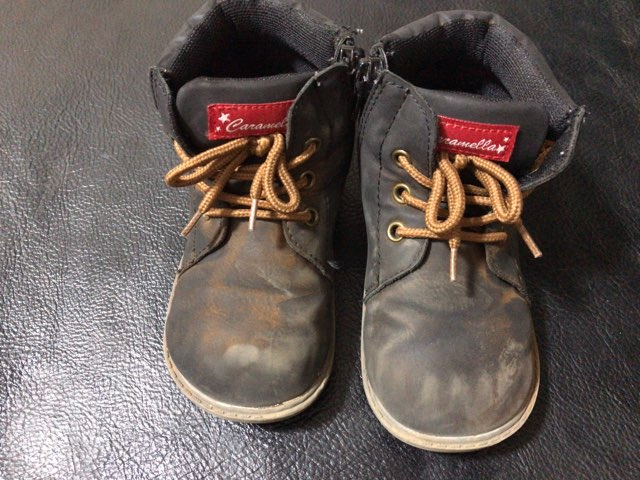 remove-mud-stain-shoes-2