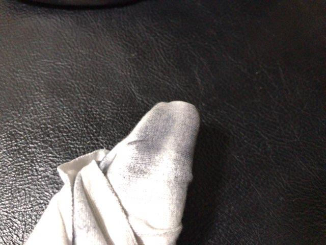 hands-mowbray-shoe-cleaner-15