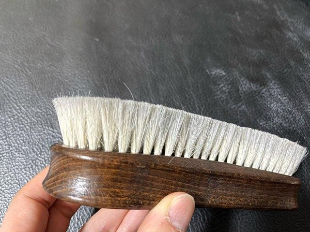 hands-delicate-brush-6