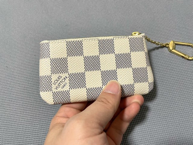 key-pouch-damier-azur-13