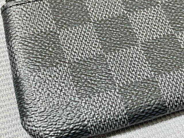 pouch-damier-graphite-7