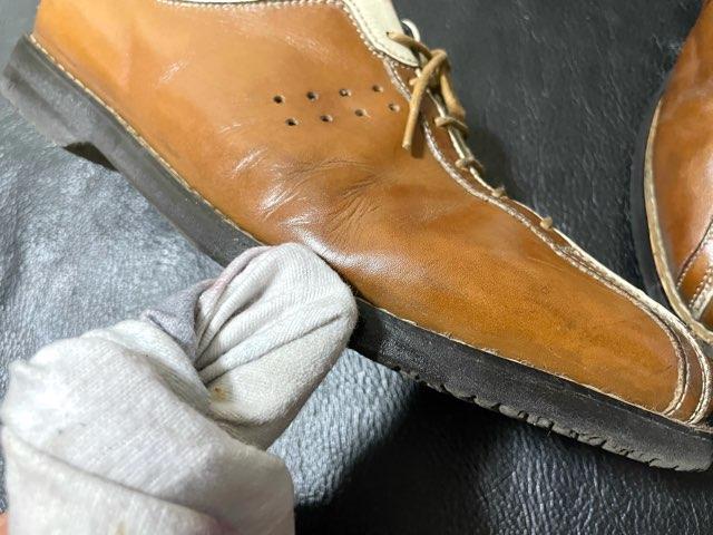leather-edge-liquid-10