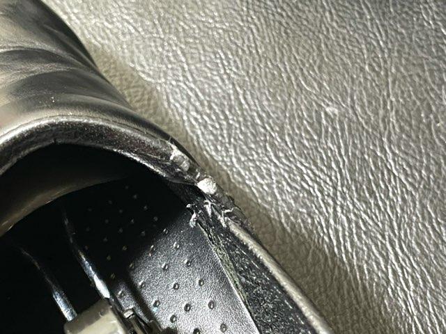 self-repair-shoe-opening-6
