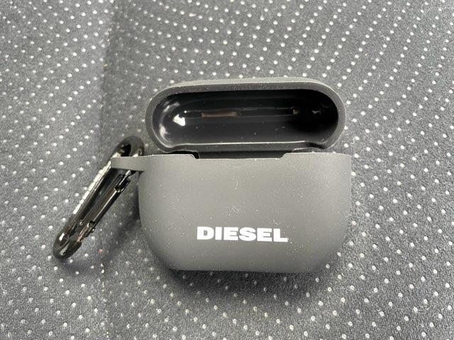 diesel-airpods-pro-case-4