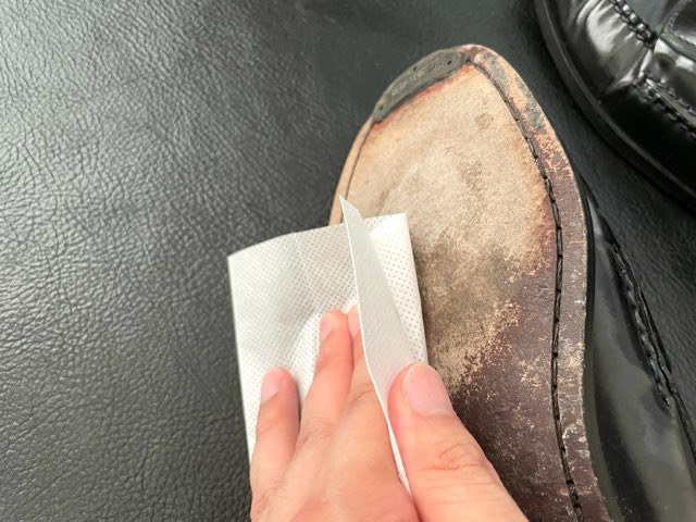 protect-mold-wet-shoes-12